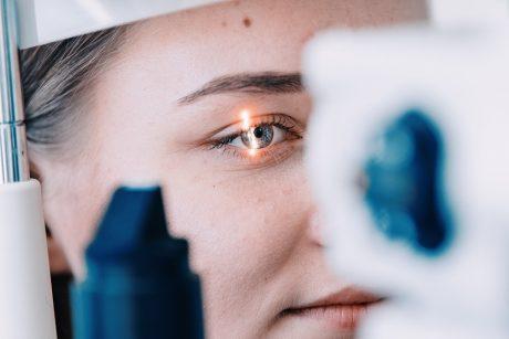 ratilai po akimis su hipertenzija hipertenzijos nervų įstrigimas