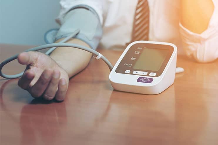 hipertenzijos laipsnio stadijos rizika liaudies vaistas nuo aukšto kraujospūdžio
