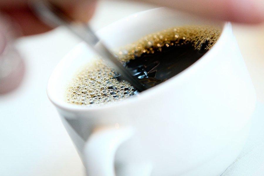 Naujausio tyrimo išvadose paskelbta – ar iš tiesų kavą gerti sveika?