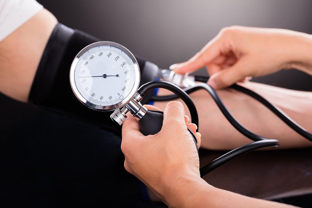 hipertenzijos baseinas asanos širdies sveikatai