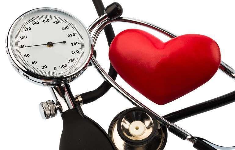 hipertenzija 2 šaukštai