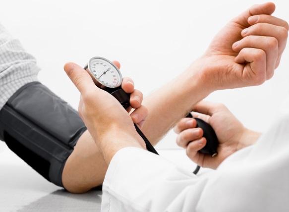 hipertenzija sergamumas