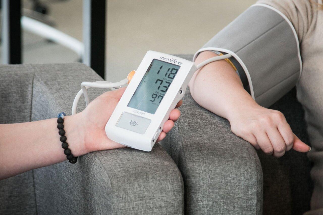 kaip pasireiškia hipertenzijos simptomai grikių hipertenzijos gydymas