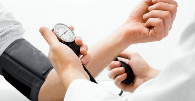 neryškus matymas su hipertenzija