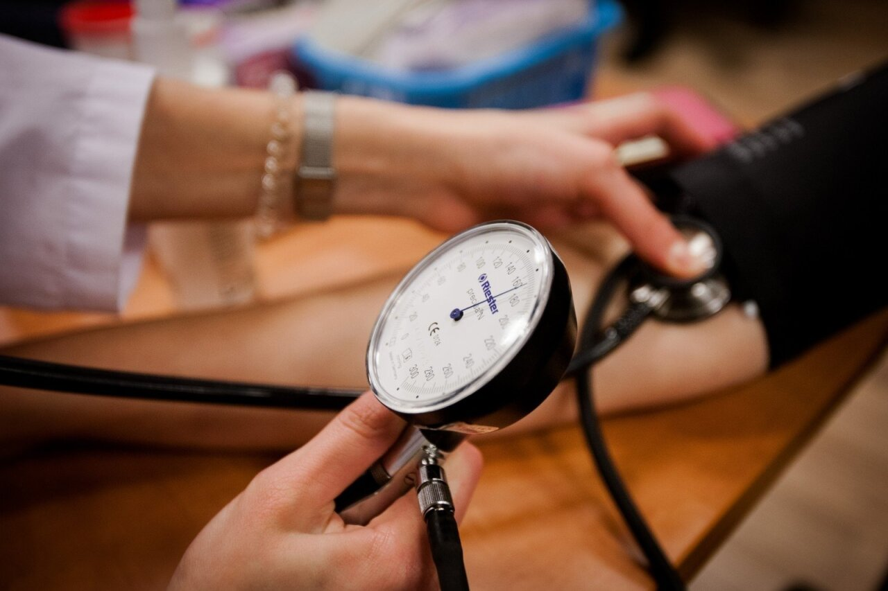 pokyčiai smegenyse su hipertenzija