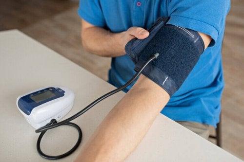 sportas ir hipertenzija masažas hipertenzijos technikai